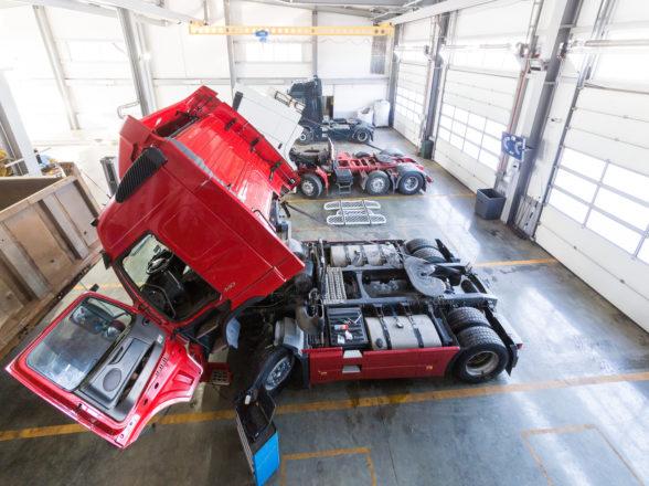 Naprawa ciężarówek – jak wybrać najlepszy warsztat?